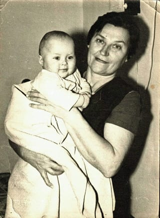 Baby_Anna_with_Grandmother